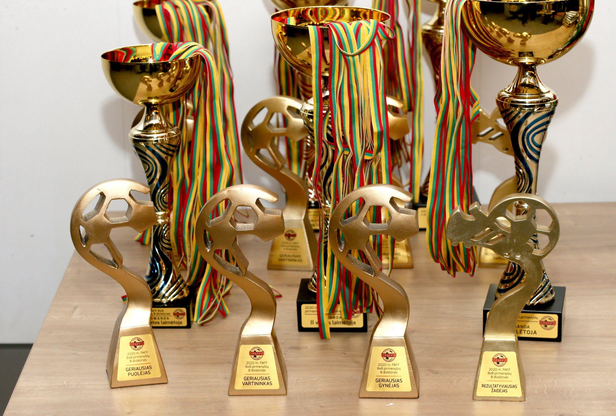 "2020 m. PAFF ""8×8"": formalumus sutvarkę čempionai ir bronza vainikuotas FK ""Flora Express"" finišas"