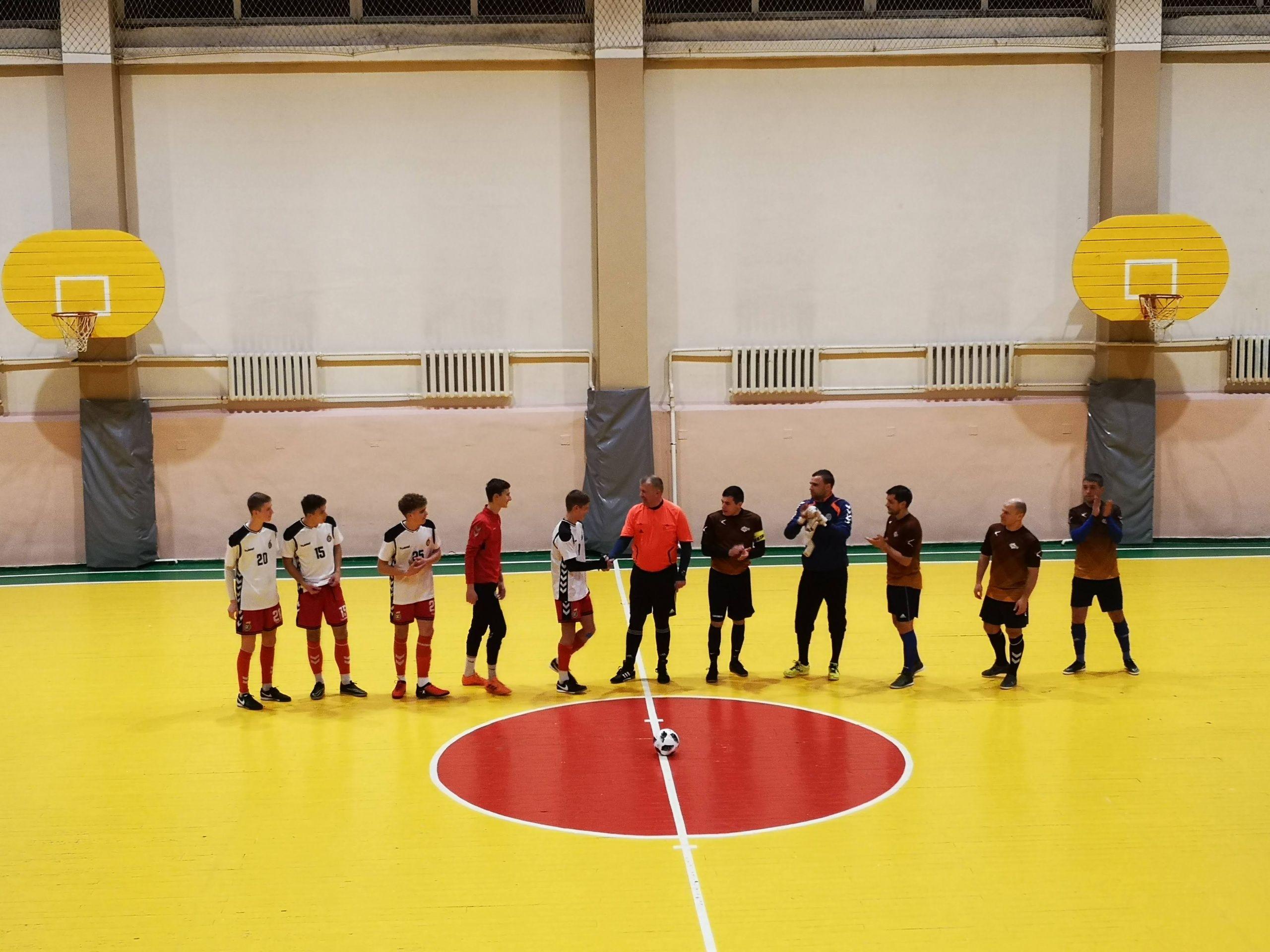 36 – asis A. Kunčinos salės futbolo turnyras įpusėja